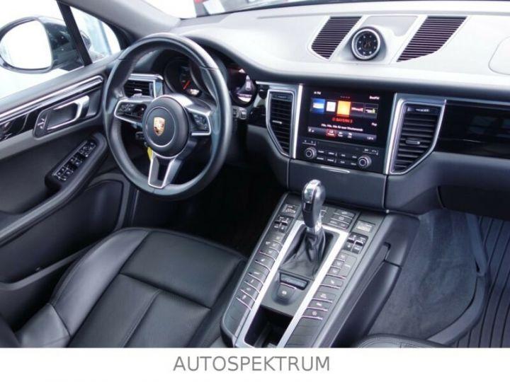 Porsche Macan noire - 7