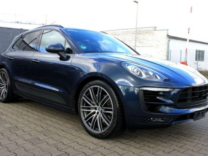 Porsche Macan bleu nuit - 1