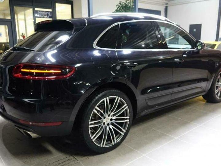 Porsche Macan noir jais métallisé  - 2