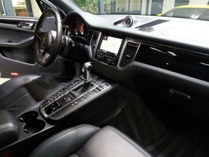 Porsche Macan noir jais métallisé  - 6