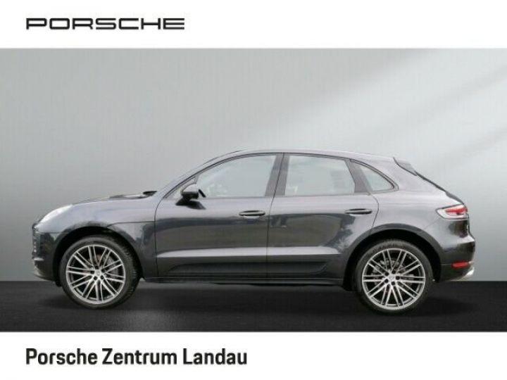 Porsche Macan gris volcano - 2