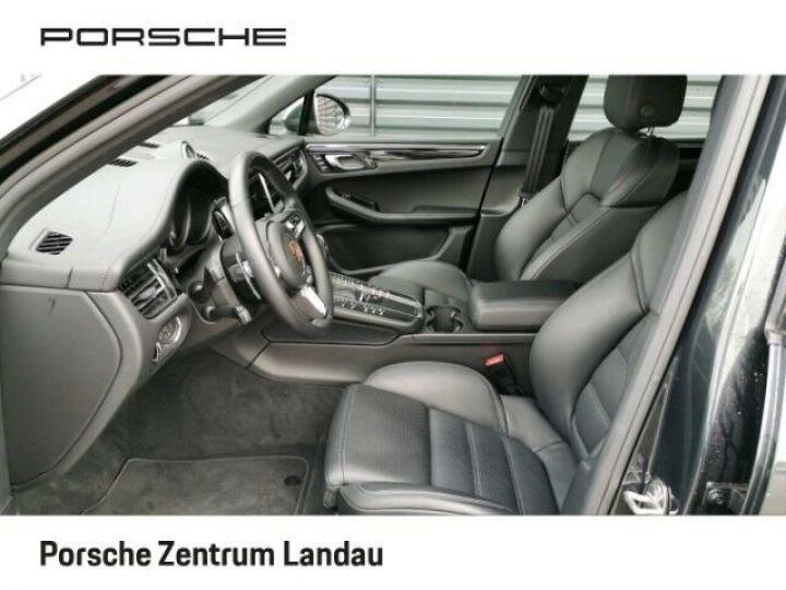 Porsche Macan gris volcano - 4
