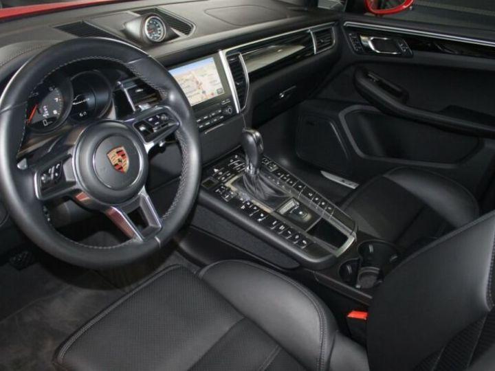 Porsche Macan rouge - 8