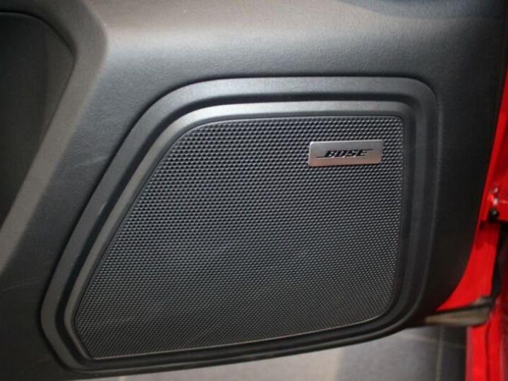 Porsche Macan rouge - 12