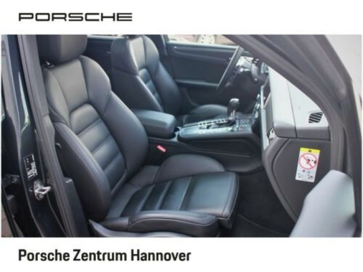Porsche Macan Gris Vulkan - 11