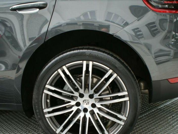 Porsche Macan gris volcano - 5