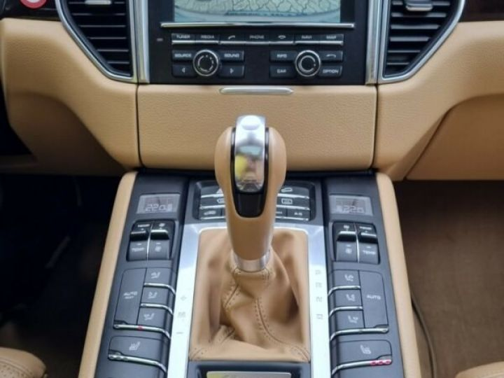 Porsche Macan Bordeaux ( Acajou) - 15