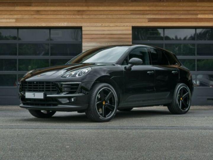 Porsche Macan noir - 12