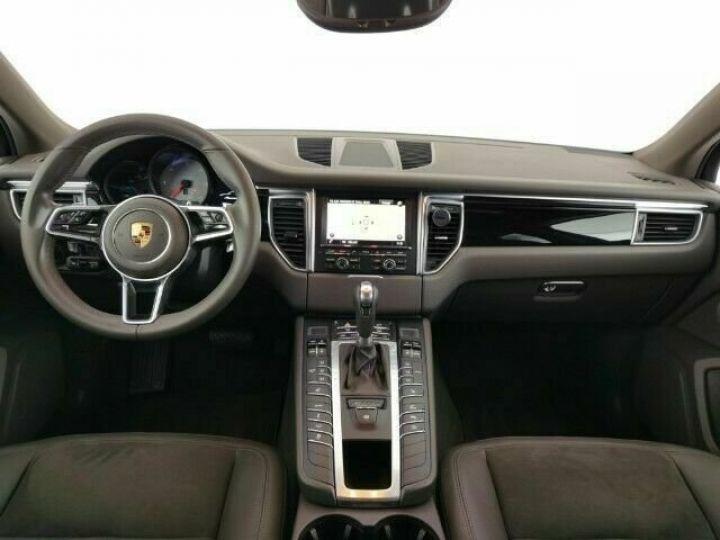 Porsche Macan # 3.0 S Diesel # 1ere Main # Inclus la livraison du véhicule à votre domicile, la CG et le Malus écolo # Gris Peinture métallisée - 9