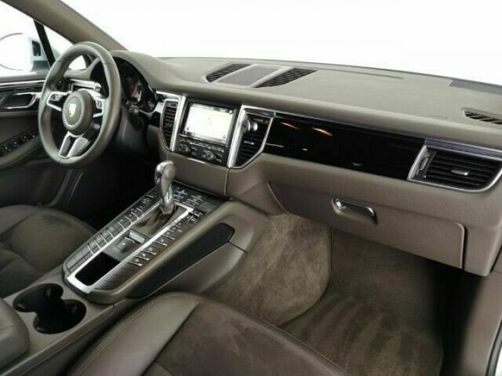 Porsche Macan # 3.0 S Diesel # 1ere Main # Inclus la livraison du véhicule à votre domicile, la CG et le Malus écolo # Gris Peinture métallisée - 14