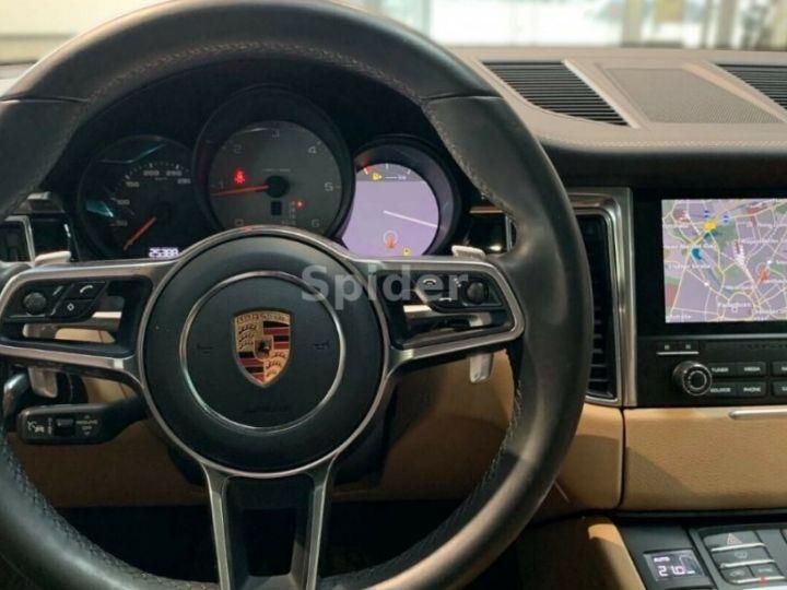 Porsche Macan 3.0 V6 S D 258 01/2017, Toit pano, Attelage, régulateur de vitesse adaptatif. noir métal - 8
