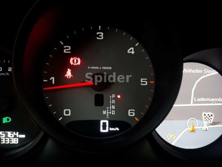 Porsche Macan 3.0 V6 S D 258 01/2017, Toit pano, Attelage, régulateur de vitesse adaptatif. noir métal - 12