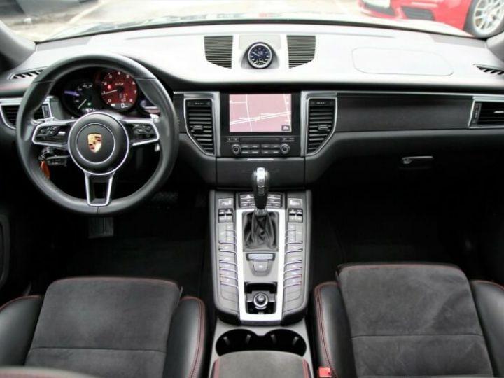 Porsche Macan gts Gris métallisé - 3