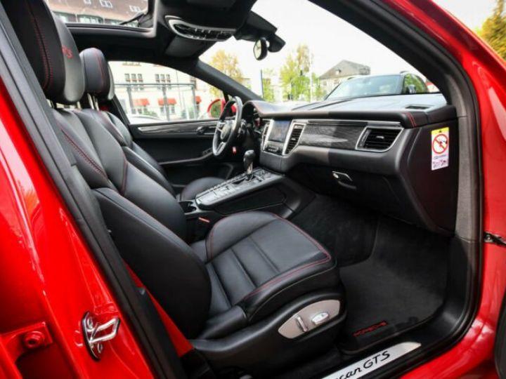 Porsche Macan gts  rouge carmin - 2