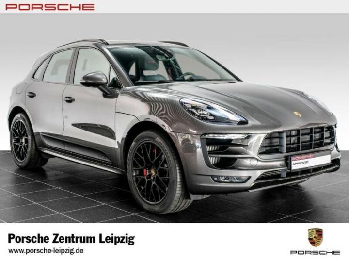 Porsche Macan gts gris volcano - 1