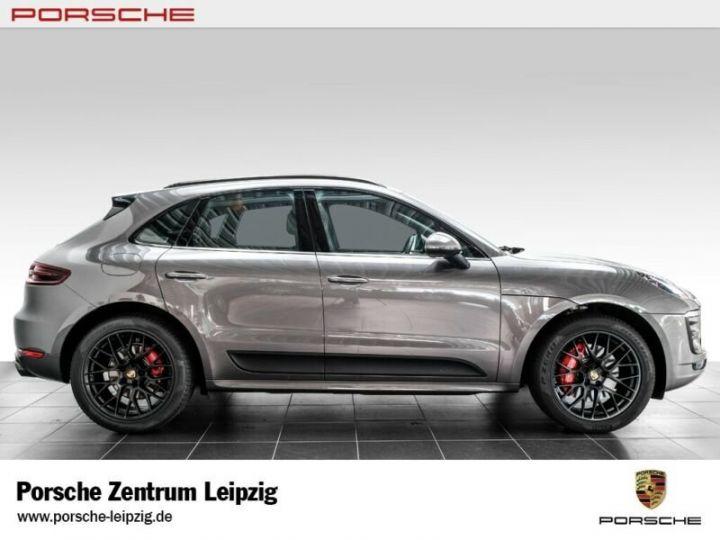 Porsche Macan gts gris volcano - 7