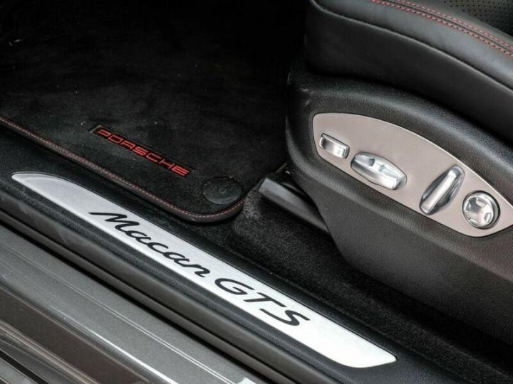 Porsche Macan gts gris volcano - 10