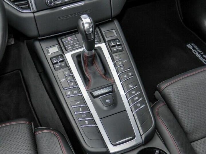 Porsche Macan gts  gris - 12