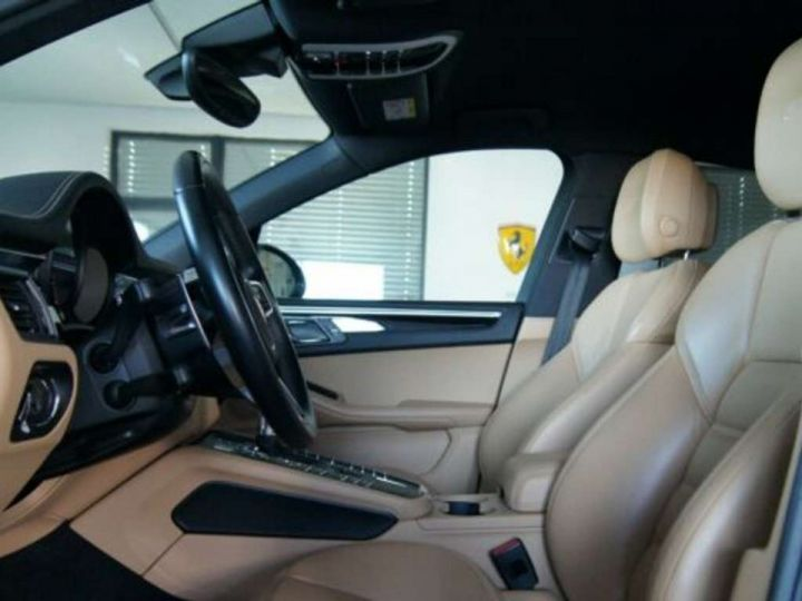 Porsche Macan GTS 3.0 Turbo 360 CV / PANO / Attelage / Garantie 12 Mois Noir Métal - 3