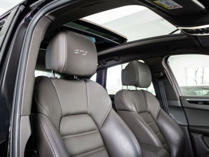 Porsche Macan gts * toit ouvrant * 1 main  noir jais métallisé  - 10