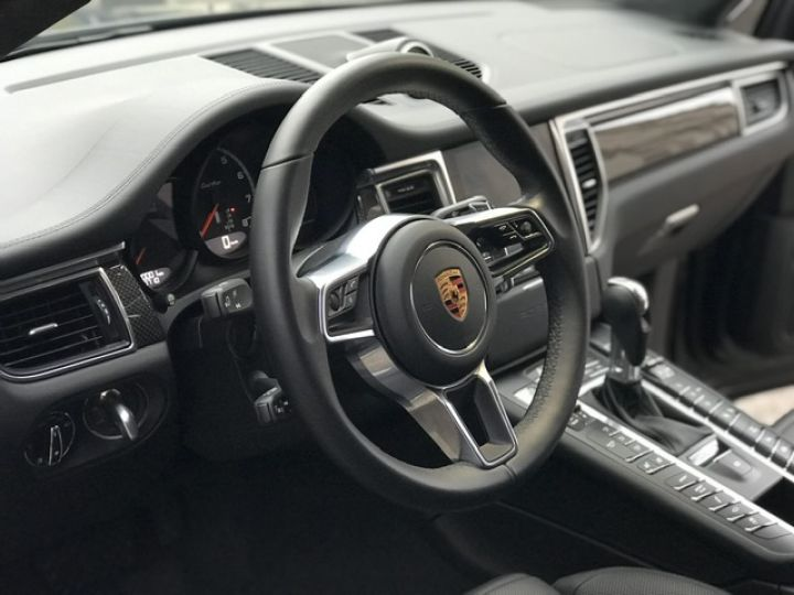 Porsche Macan PORSCHE MACAN TURBO /FRANCE /2018 /FULL OPTIONS/ PSE /CHRONO /TVA /ETAT NEUF Gris - 33