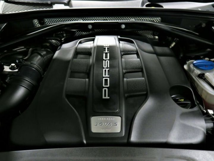 Porsche Macan # S Diesel *BOSE*PDLS*NAVI*KAM #  Gris Peinture métallisée - 12