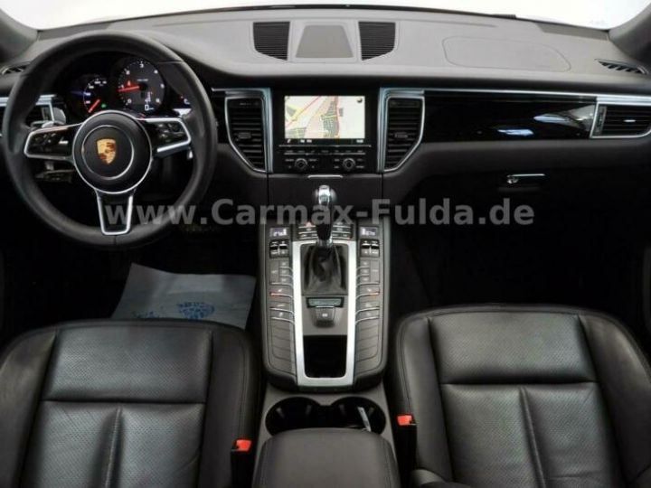 Porsche Macan  S Diesel PDK Cuir,Navi,Panorama,SH, Xénon,1ere Main Noir Peinture métallisée - 8