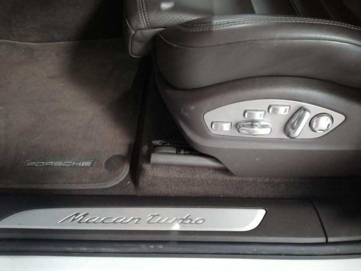 Porsche Macan TURBO Blanc - 8