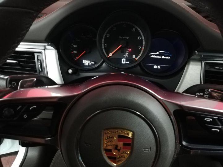 Porsche Macan TURBO Blanc - 9