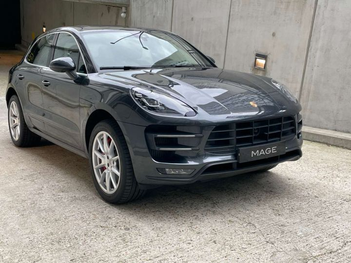 Porsche Macan Turbo 3.6 V6 440 ch Pack Performance PDK Gris Occasion - 1