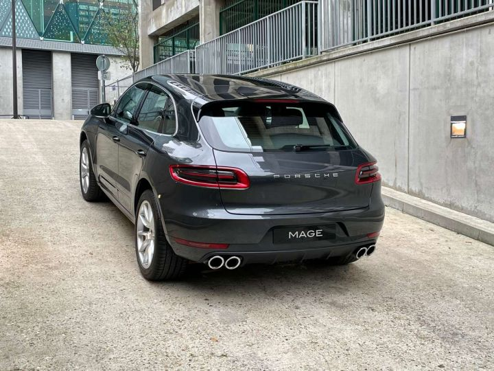 Porsche Macan Turbo 3.6 V6 440 ch Pack Performance PDK Gris Occasion - 9