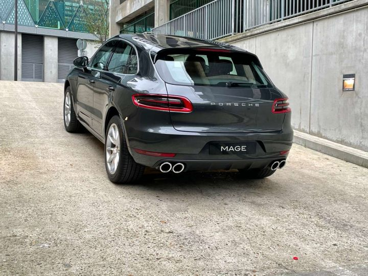 Porsche Macan Turbo 3.6 V6 440 ch Pack Performance PDK Gris Occasion - 10