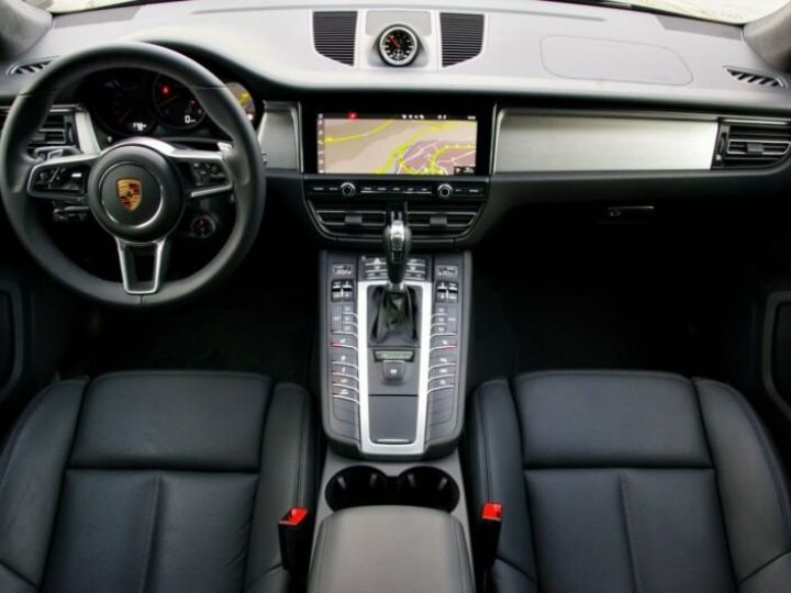 Porsche Macan Turbp  NOIR PEINTURE METALISE  Occasion - 2