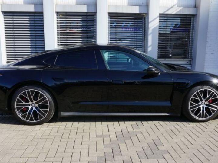 Porsche Taycan 4 S * TOIT OUVRANT *  noire - 6