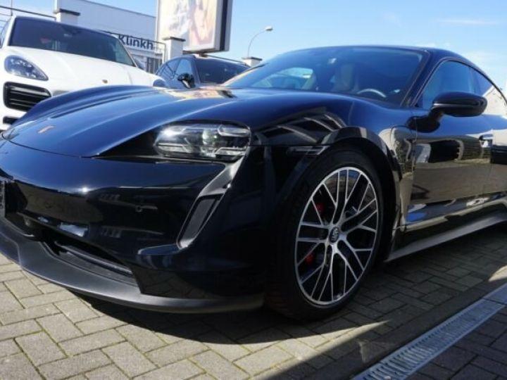 Porsche Taycan 4 S * TOIT OUVRANT *  noire - 10