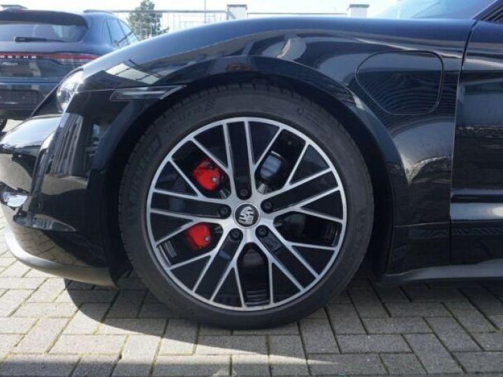 Porsche Taycan 4 S * TOIT OUVRANT *  noire - 11