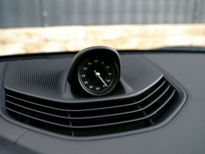 Porsche Taycan Porsche Taycan Perfomance 476ch  Noir - 18