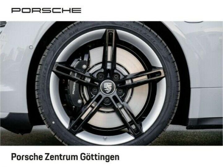 Porsche Taycan TURBO blanc  - 4