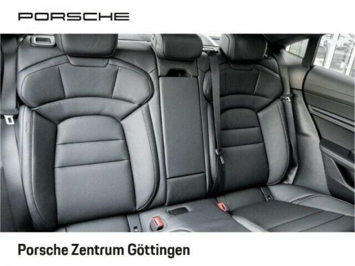 Porsche Taycan TURBO blanc  - 10