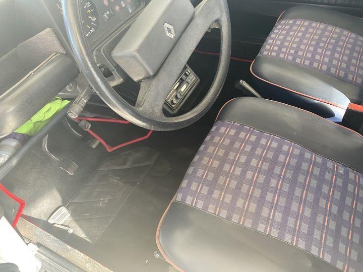 Renault 4L GTL Blanc - 5