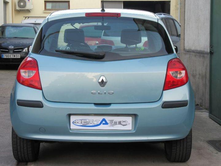 Renault clio 1 2 tce 100ch rip curl 5p occasion corbeil for Garage renault feray corbeil essonnes