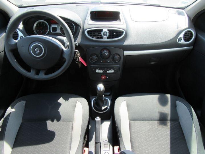Renault CLIO 1.5 DCI 70CH EXPRESS CLIM ECO GRIS CLAIR Occasion - 8