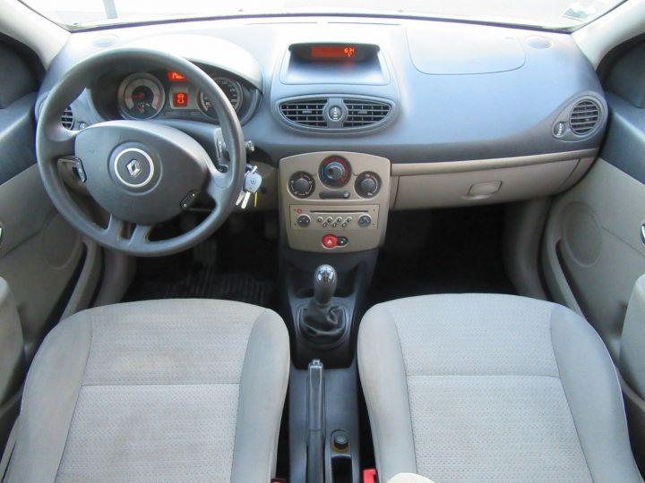 Renault Clio 1.5 DCI 70CH EXPRESSION 5P Gris Clair Occasion - 10