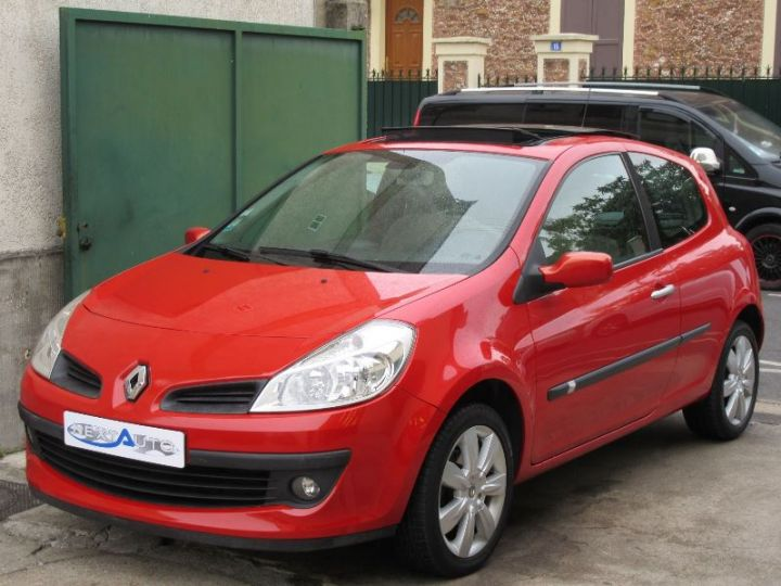 Renault CLIO 1.6 16V 110CH CONFORT DYNAMIQUE BVA 3P ROUGE Occasion - 1