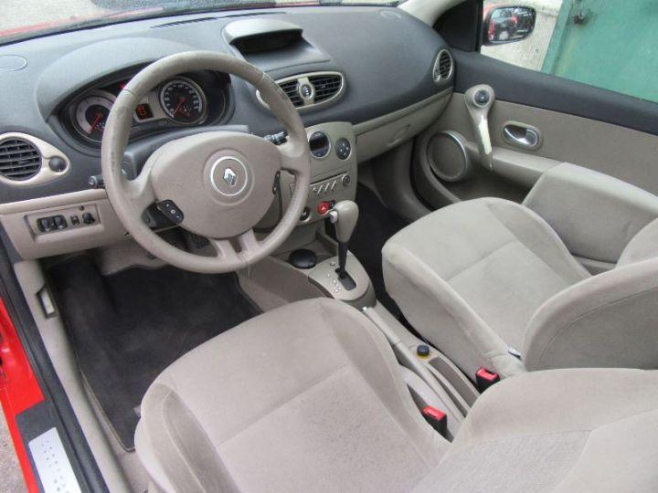 Renault CLIO 1.6 16V 110CH CONFORT DYNAMIQUE BVA 3P ROUGE Occasion - 2