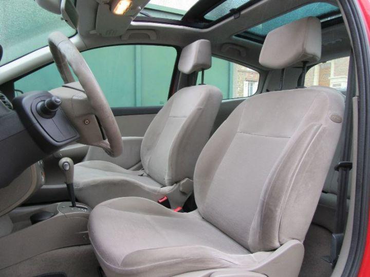 Renault CLIO 1.6 16V 110CH CONFORT DYNAMIQUE BVA 3P ROUGE Occasion - 4