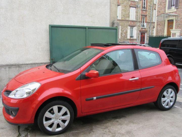 Renault CLIO 1.6 16V 110CH CONFORT DYNAMIQUE BVA 3P ROUGE Occasion - 5