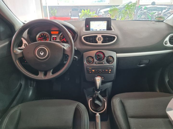 Renault Clio 1l2 16v 75 Ch Tomtom  - 2