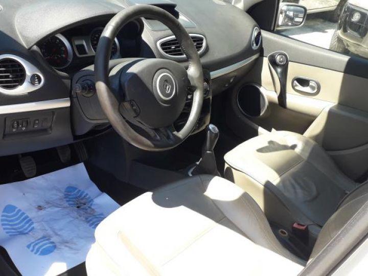 Renault Clio 3 1.5 DCI 70 DYNAMIQUE 5P  - 6