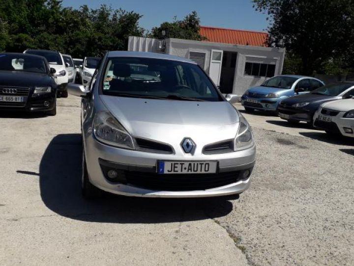 Renault Clio 3 1.5 DCI 70 DYNAMIQUE 5P  - 13